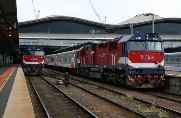 N472 and N471 awaiting departure from Southern Cross