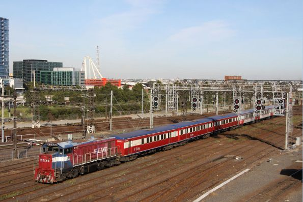 P15 leads a push-pull into Southern Cross