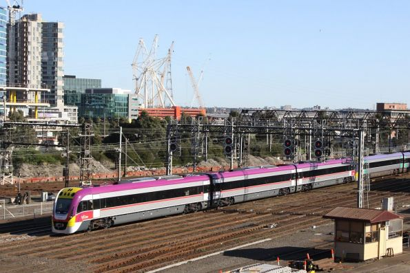 On a few days old, 3VL49 arrives into Southern Cross with a classmate