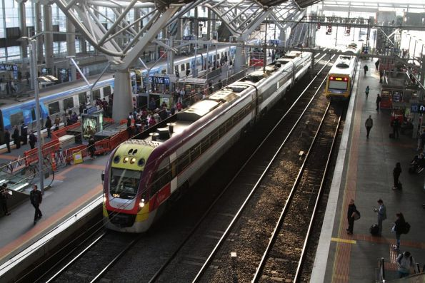 3VL45 at Southern Cross platform 11, waiting to run a down Traralgon service