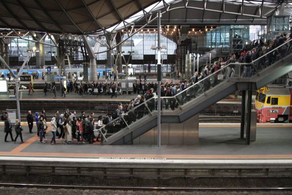 Simultaneous V/Line arrivals on platform 7 and 8 and the stairs to the Bourke Street bridge are overloaded