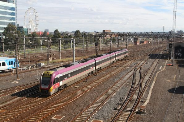 VLocity VL44 departs Southern Cross Station on the down