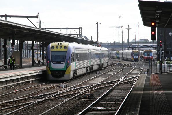 VLocity VL34 ready to depart from the north end of platform 7