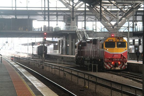 N474 after arrival at Southern Cross with a double headed H set