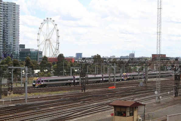 VLocity train arrives at Southern Cross via the RRL tracks