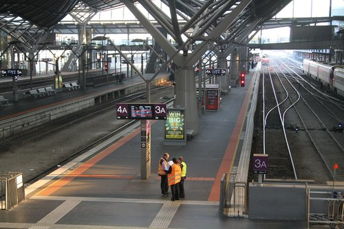 Empty platforms at Southern Cross platform 3 and 4