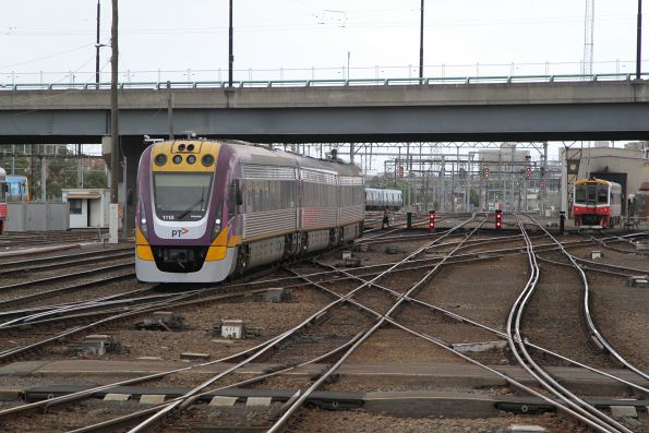 VLocity VL18 arrives into Southern Cross platform 2