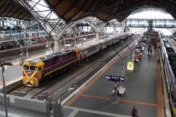N455 with a six car H set at Southern Cross platform 7
