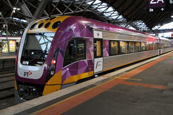 VLocity VL76 at Southern Cross platform 2