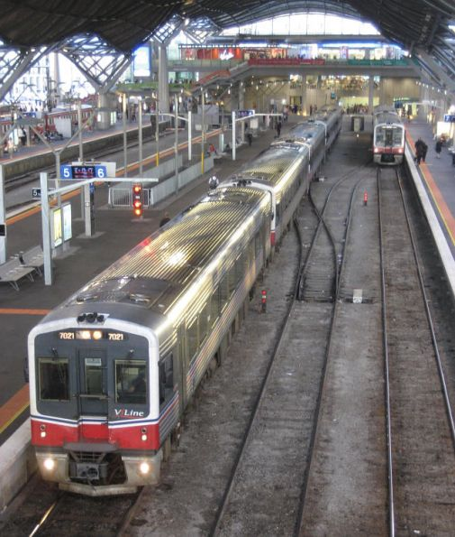 Five Sprinter lashup at Southern Cross