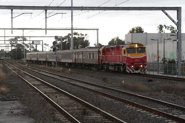 N458 leads the up Albury service through Albion