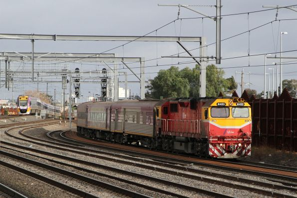 N453 leads the up Albury service through Middle Footscray