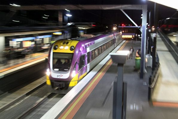 VLocity runs express on a down Bendigo service through Sunshine platform 2, the RRL tracks blocked thanks to a failed train at Sunshine