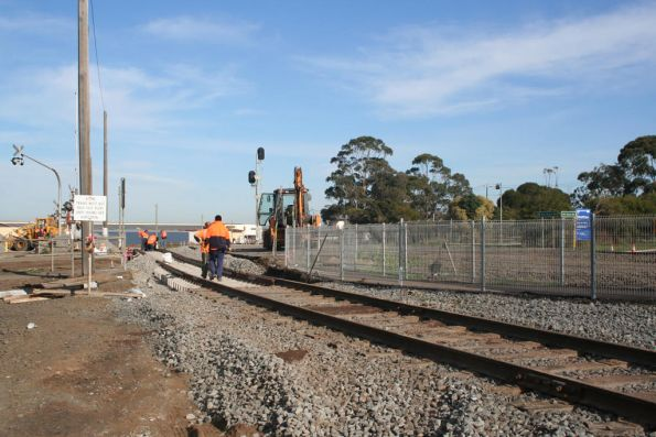 Work on dual gauging the level crossing at North Shore