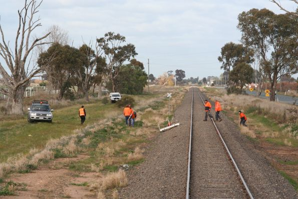 Track gang head back onto the tracks north of Shepparton