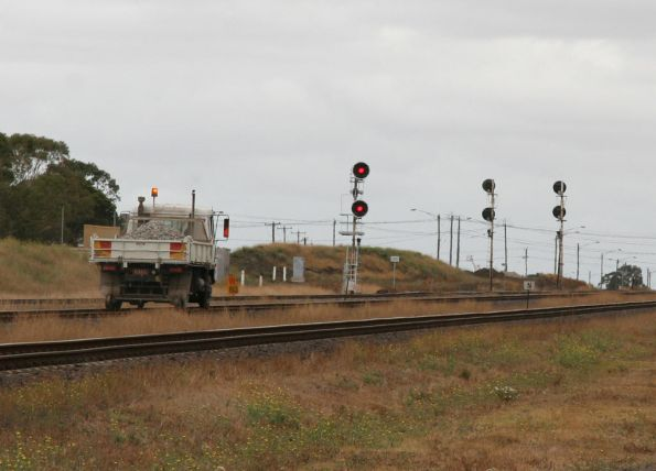 Hi-rail truck heads towards North Shore