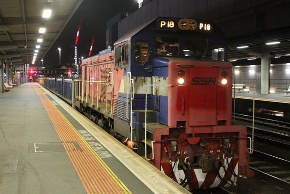 P18 at the other end of a push-pull spoil train at Southern Cross platform 3