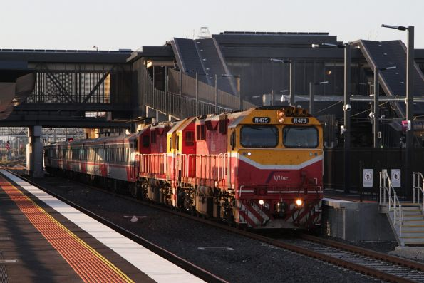 N475 leads N455 on an ex-Bacchus Marsh empty cars move at Sunshine