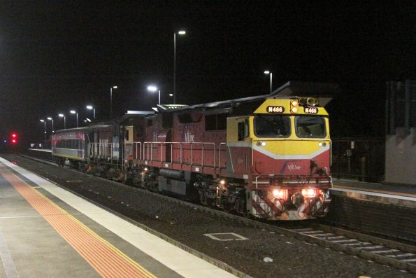 N466 passes through Sunshine with Y163 and carriage BZN271 on a transfer to the SSR workshops at Bendigo