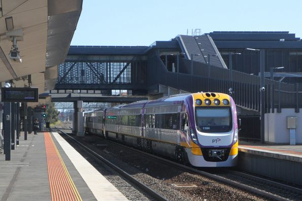 VLocity VL84 and VL81 pass through Sunshine on the way from Wyndham Vale to Bombardier Dandenong