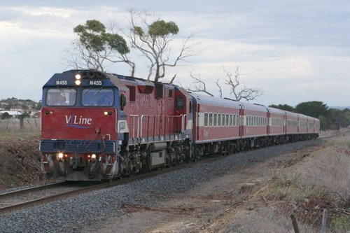 N455 with a down Warrnambool, built up to 7 cars for the Warrnambool Cup, at Grovedale