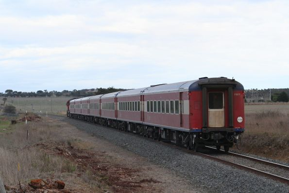N455 with a down Warrnambool, built up to 7 cars for the Warrnabool Cup, at Grovedale
