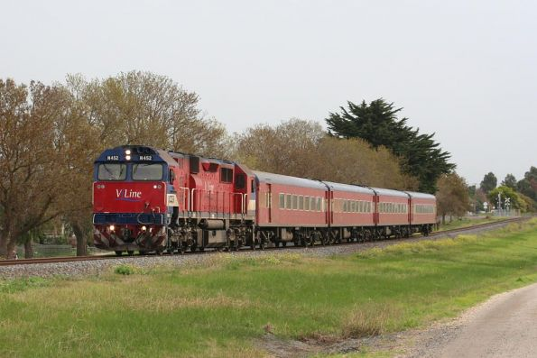 N452 again, passing through the suburbs of Colac on the up