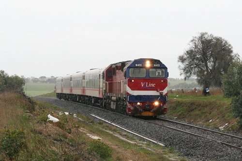 N472 leads the up Warrnambool through the rain at Grovedale