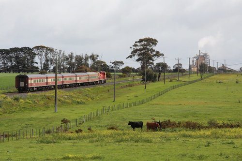 Down Warrnambool heads towards the cement works