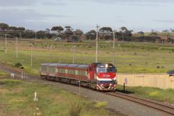 N472 leads the up Warrnambool out of the paddocks and into Grovedale