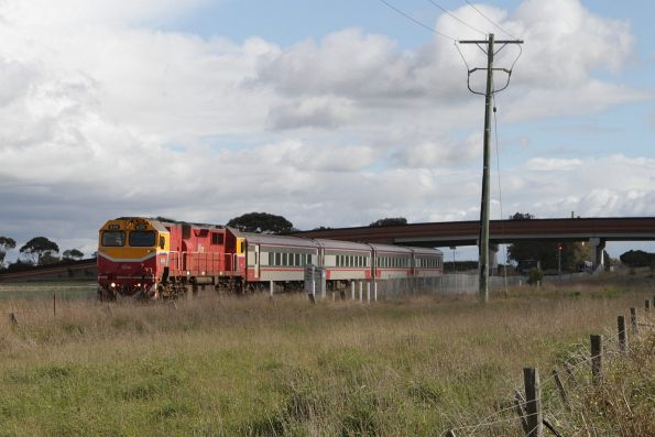 N474 leads the up Warrnambool train under Anglesea Road at Waurn Ponds