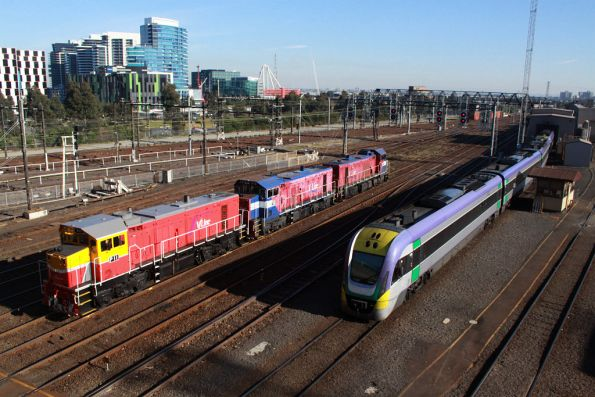 VLocity shunting from the wash road, while P11, P16 and P17 arrive