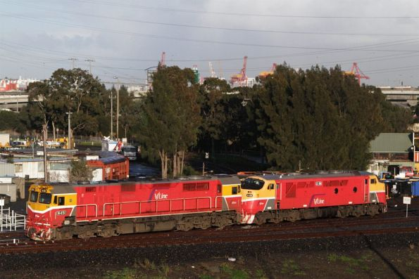 N451 and A66 pass Reversing Loop Junction, on a light engine movement between Southern Cross and South Dynon at