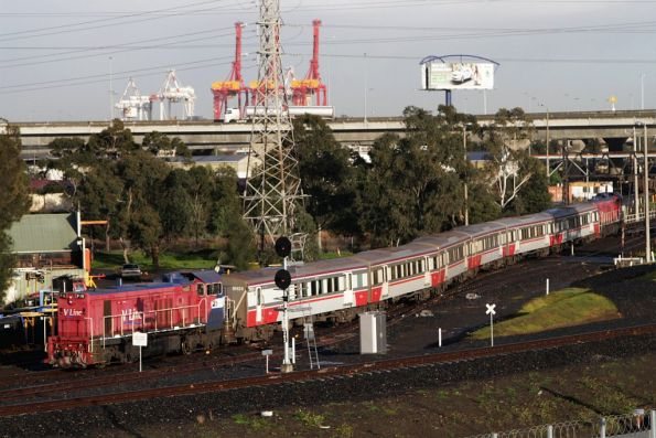 P16 trails a push-pull set headed empty cars to South Dynon to stable between peaks