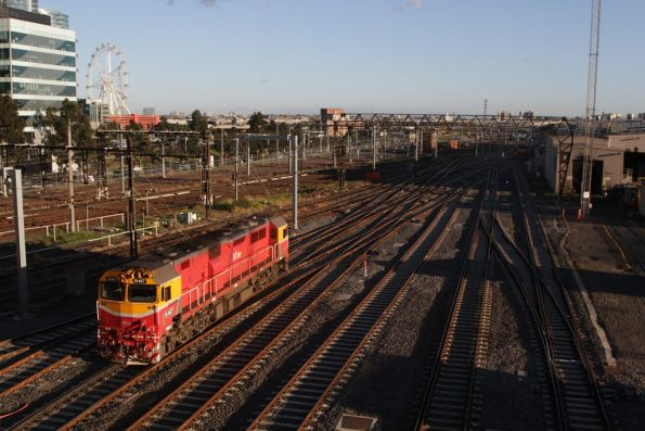 N467 departs Southern Cross bound for the locomotive depot at South Dynon