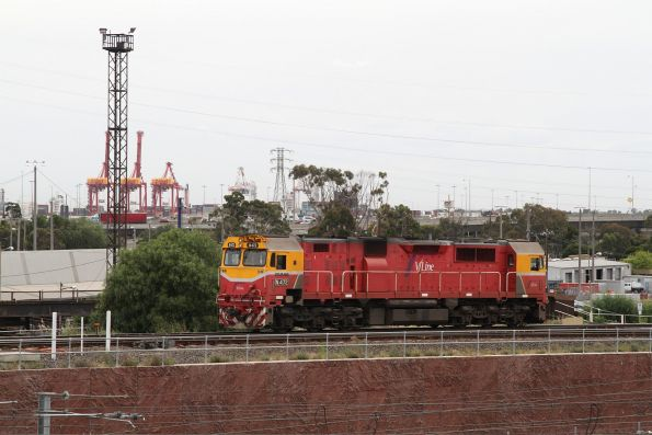N472 heads light engine across the North Melbourne flyover, bound for South Dynon