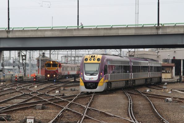 VLocity VL07 shunts across to the carriage sidings, blocking an arriving V/Line service