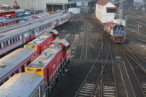 Y129 between shunting moves at Southern Cross, with P15 and P17 stabled alongside