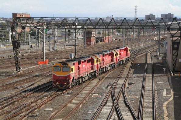 N469 leads N454 and N451 light engine from South Dynon to Southern Cross