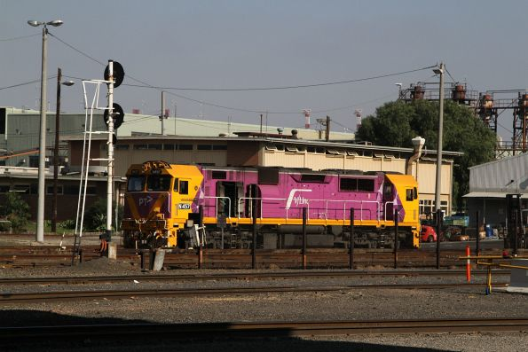 N457 under repair at the Gemco sheds at South Dynon