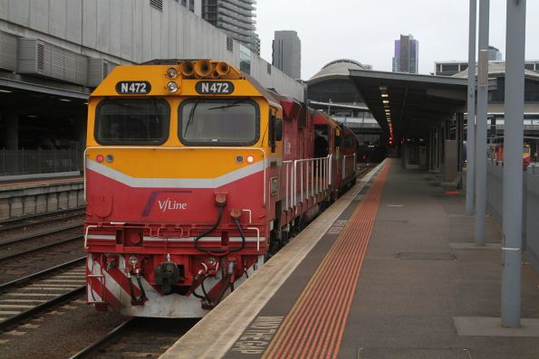 N472 and N456 ready to head light engine from Southern Cross to South Dynon