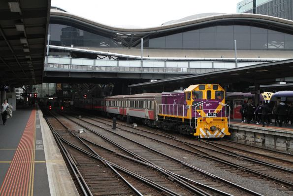 Y156 ready to take a carriage set out of Southern Cross platform 3