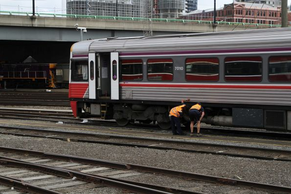 Train crew prep Sprinter 7010 for service