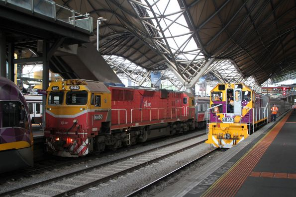 Y163 shunts a carriage set into Southern Cross platform 5