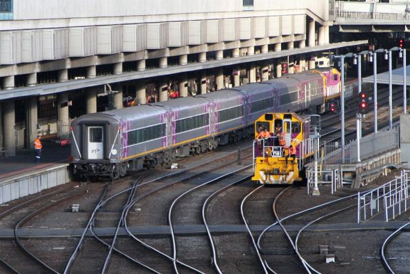 Y161 about to shunt back from the platform at Southern Cross