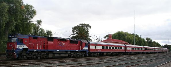 The train at Swan Hill