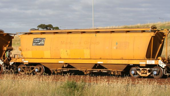 AHGX 34172B on the standard gauge at Corio