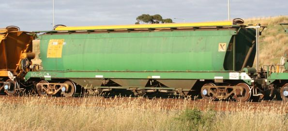 AHGX 34146N on the standard gauge at Corio