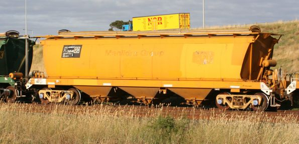 AHGX 34148X on the standard gauge at Corio