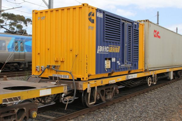 Pacific National branded Cummins genset container PP07 on the standard gauge Mildura service